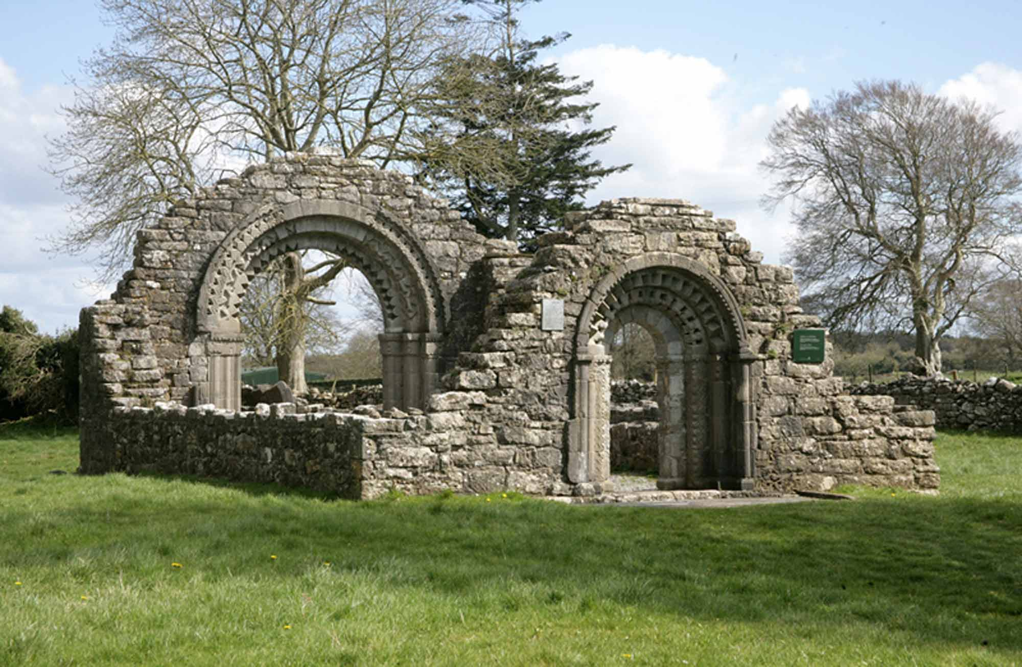 Hiberno-Romanesque church at Clonmacnoise