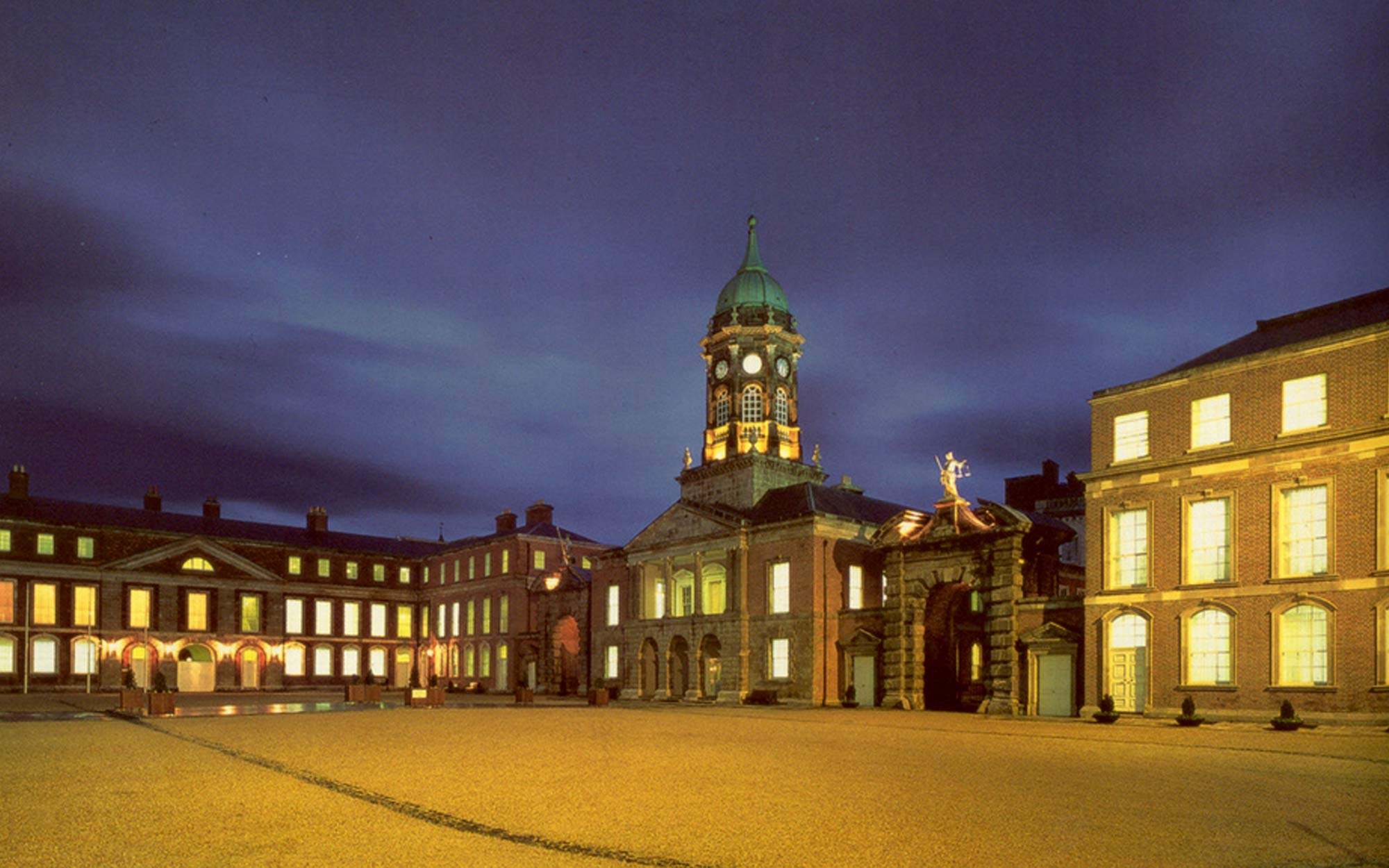Courtyard of Dublin Castle at night