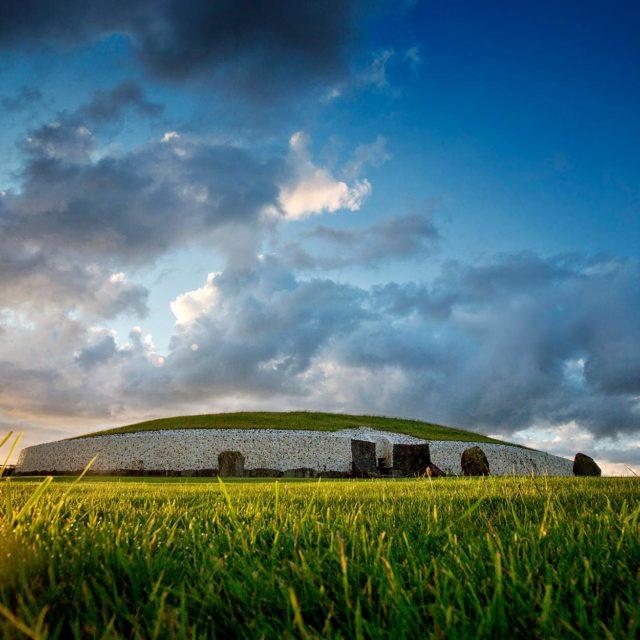 Brú na Bóinne Visitor Centre (Newgrange and Knowth)
