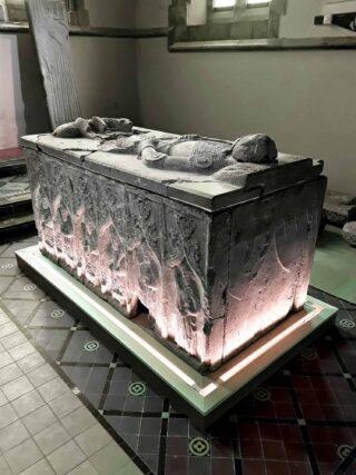 Effigies and Tombs